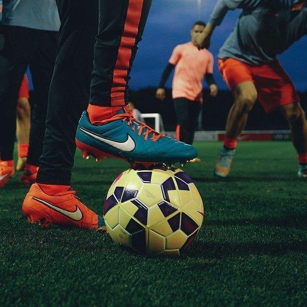 Фото на аву в вк футбол
